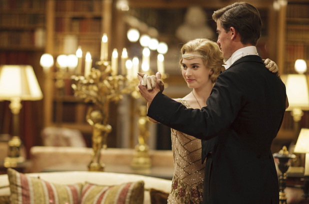 File:Uktv-downton-abbey-2014-christmas-special-18.jpg