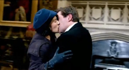 File:Downton Abbey Lady Sybil and Tom Branson Kiss (They Are Reunited).jpg