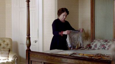 Downton Abbey Lady Sybil Bedroom 2 (1)