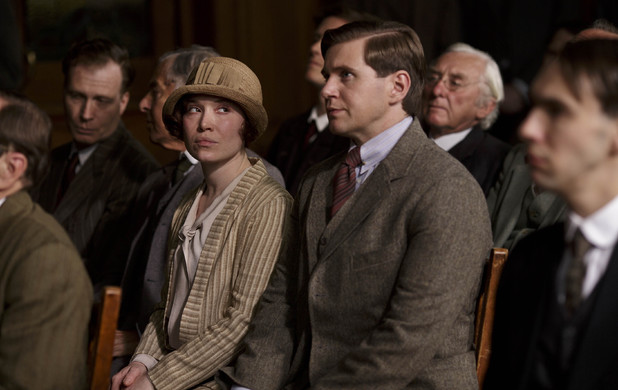 File:Uktv-downton-abbey-s04-e07-2-1-.jpg