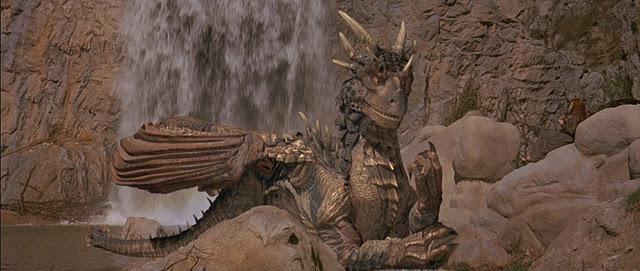 File:Dragonheart-dragonheart-and-dragonheart-2-26541453-640-271.jpg