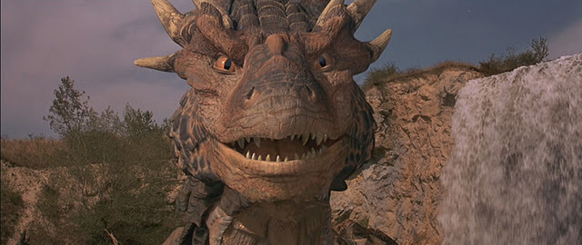 File:Dragonheart-dragonheart-and-dragonheart-2-26541080-640-270.jpg