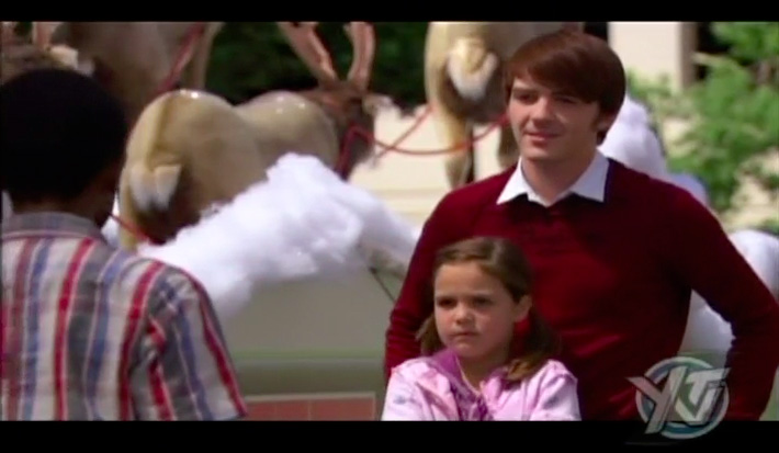 merry christmas drake josh stills 04 movie the flock - Merry Christmas Drake And Josh Movie