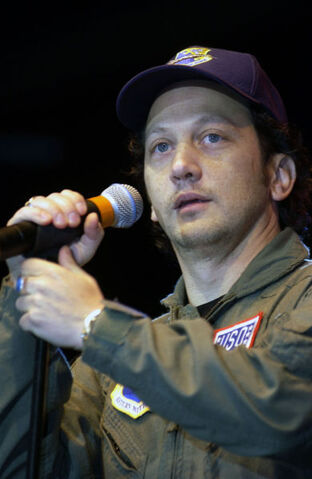 File:Rob Schneider, USO tour, Nov 16 2001.jpg