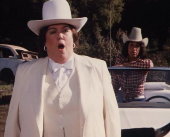 File:Lulu Coltrane Hogg in episode .png