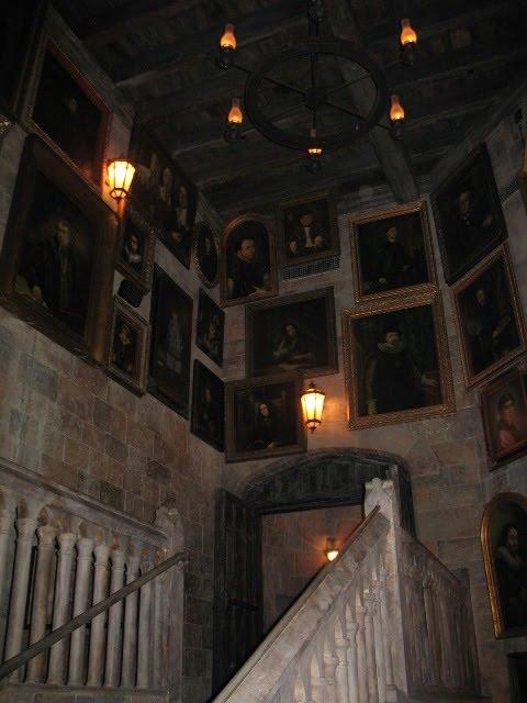 Hogwarts Portraits1 Stairs Seventh