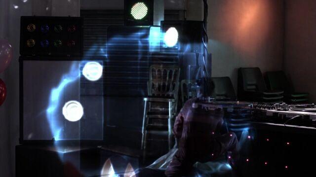 File:Normal Misfits S04E03 720p BluRay 2077.jpg