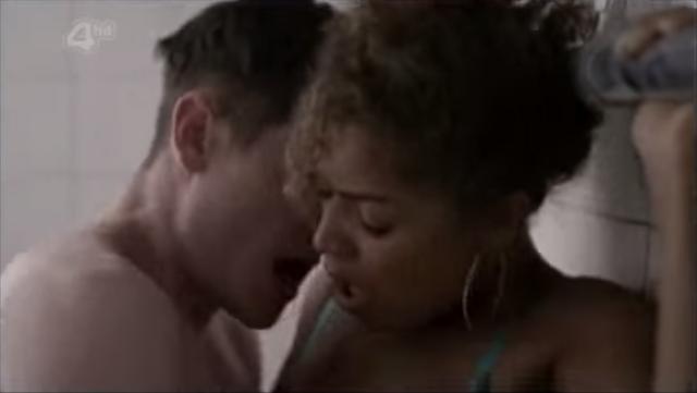 File:Simon & Alisha having sex in the toilets 25.png