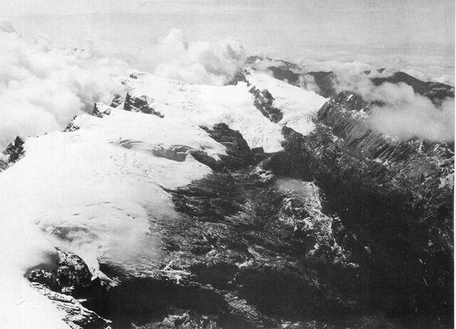 File:Puncak Jaya icecap 1936.jpg