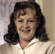Mo Harris (Lorraine Stanley)