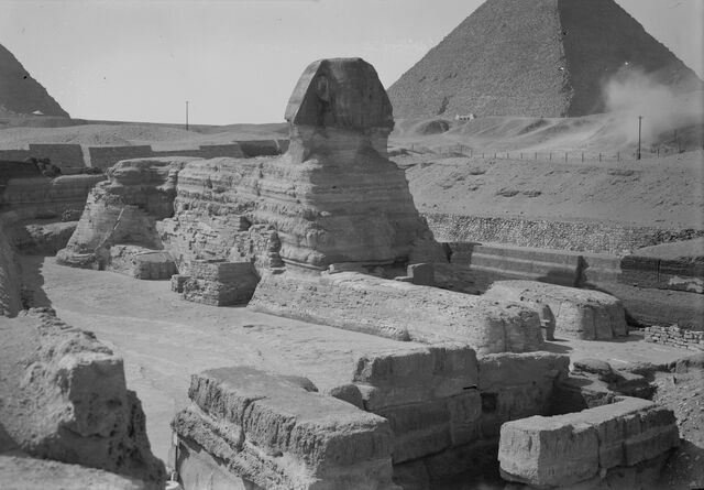 Plik:Egypt Sphinx & pyramids from Matson Collection, ca. 1934-39 (LOC).jpg