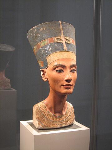 Plik:Nefertiti.jpg