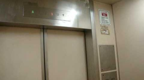 Blk 404 Pandan Gardens Residental HDB - Toshiba Traction Elevator