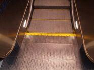 LG escalator 1999 Un Chau SC