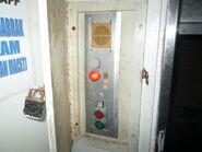 Mitsubishi dumbwaiter 1990 control panel (2)