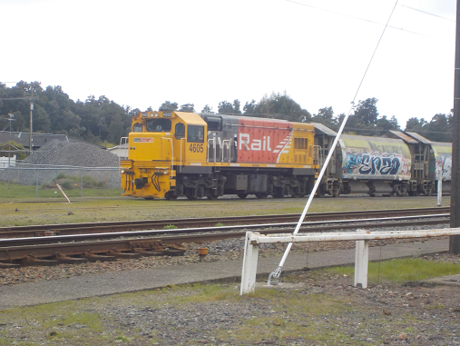 File:Dc 4605 at Ohakune.PNG