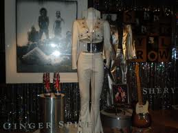 File:Ginger Spice's Elvis Style Sequin outfit.jpg