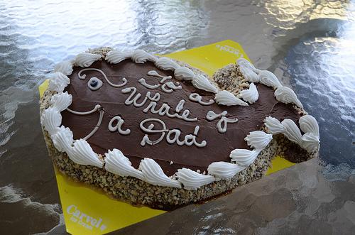 File:Fudgie the Whale Cake.jpg