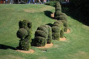 Disney2009-mk1-topiary
