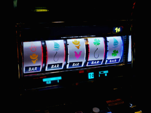 File:Slotmachine.jpg