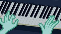 Lyra Heartstrings playing the piano EG2