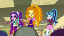 Dazzlings and students sing together EG2