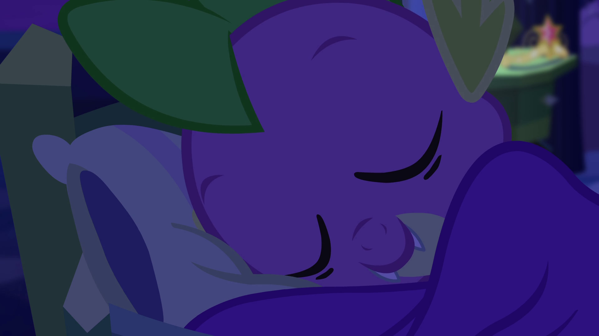 Archivo:Spike falls asleep EG.png