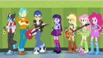 Flash's bandmates don't hear anything EG2
