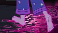 Floor breaks away beneath Sci-Twi's feet EG4