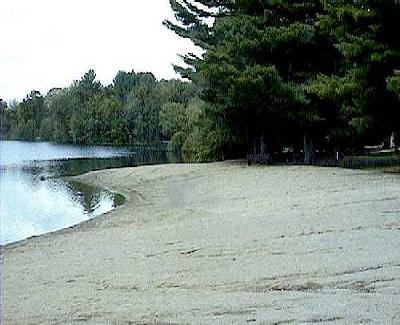 File:Pond Beach.jpg