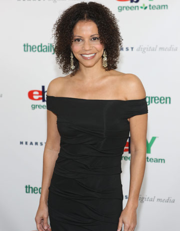 File:Gloria Reuben.jpg