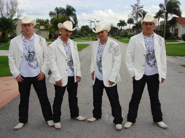 Archivo:Losbuitres2011.jpg