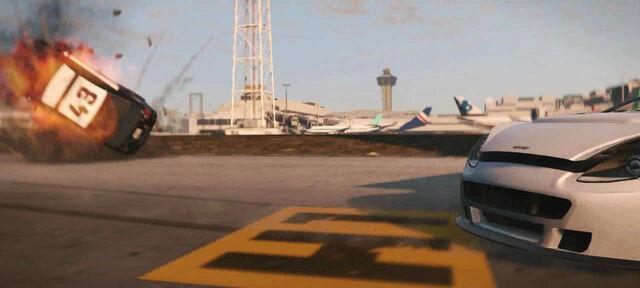 Archivo:GTA V Aviones-FlyUs.jpg