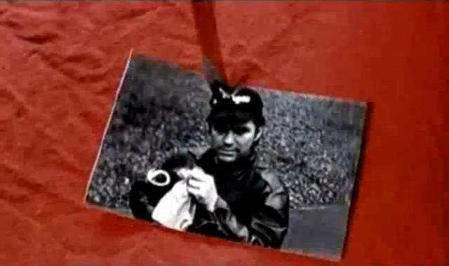 Archivo:Grand Theft Auto 2 The Movie - Claude solicitando la muerte del Cuello rojo.png