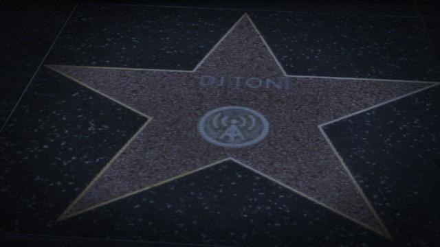 Archivo:Toni paseo de la fama.jpg