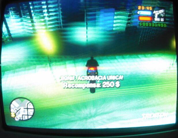 Archivo:GTA LCS Salto 4D.JPG