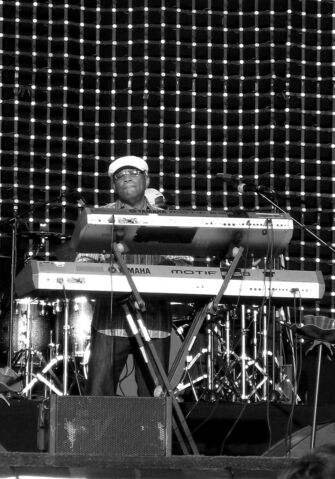 Archivo:Lonnie Liston Smith2009.jpg