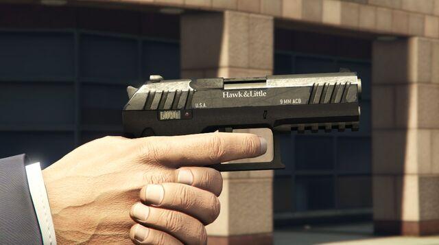 Archivo:PistoladecombateM GTAV.jpg