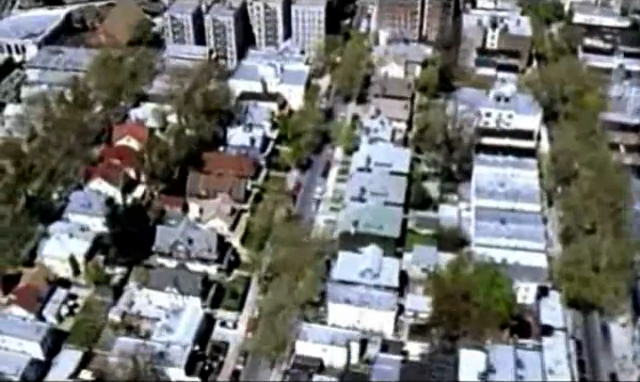 Archivo:Grand Theft Auto 2 The Movie - Vista aérea residencial.png