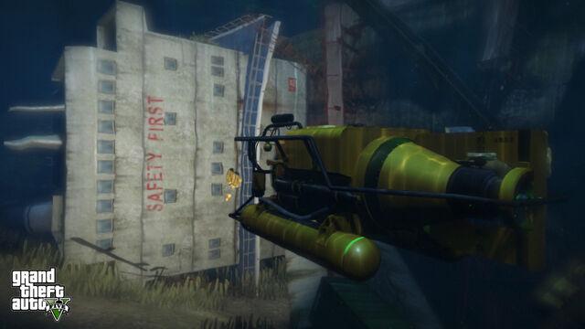 Archivo:Submarino explorando.jpg