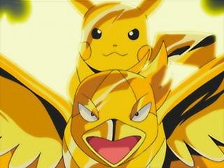 Archivo:EP376 Swellow y Pikachu de Ash con una armadura de trueno.png