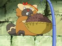 Archivo:EP526 Bibarel comiendo.png