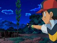 Archivo:EP554 Ash señalando a Gligar el árbol para usarlo como puente.png