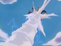 Archivo:EP256 Charizard sufriendo furia dragón.png
