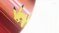 EP634 Pikachu de lectro usando cola férrea.png
