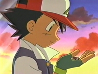 Archivo:EP271 Ash con su mitad de la Poké Ball.png