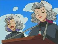 Archivo:EP476 Jessie y James disfrzados de jueces.png