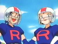 Archivo:EP233 Jessie y James disfrazados de jugadores de rugby.png