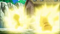 EP706 Pikachu usando rayo contra Scrafty.png