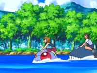 Archivo:EP560 Alumnos cabalgando con sus Pokémon de tipo agua.png